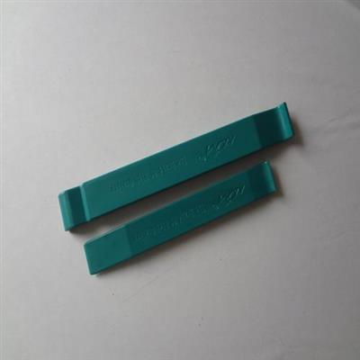 Plastic crowbar set